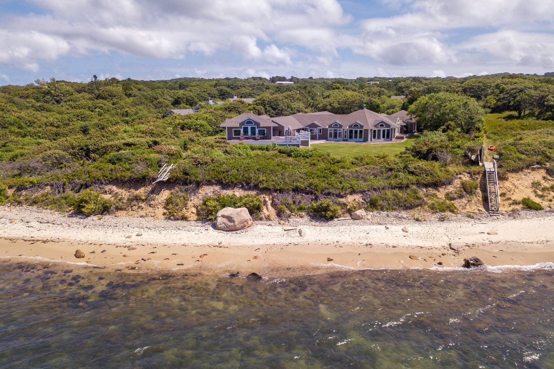 41 Naushon Road  West Tisbury