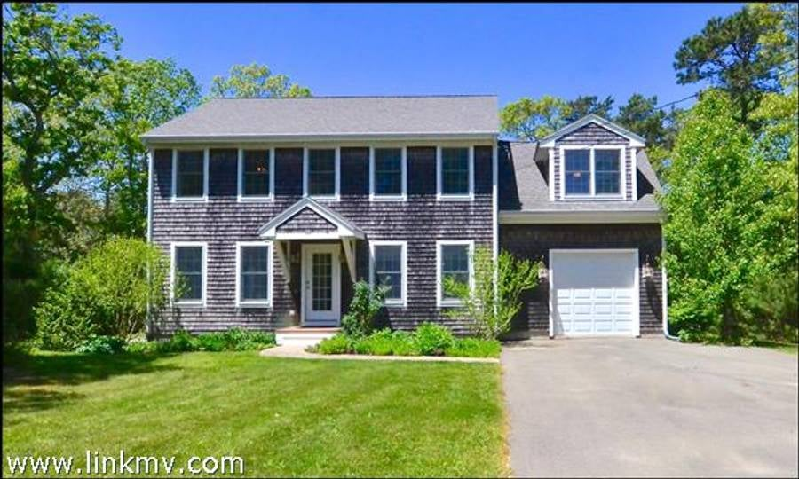 10 Eastville Avenue  Oak Bluffs