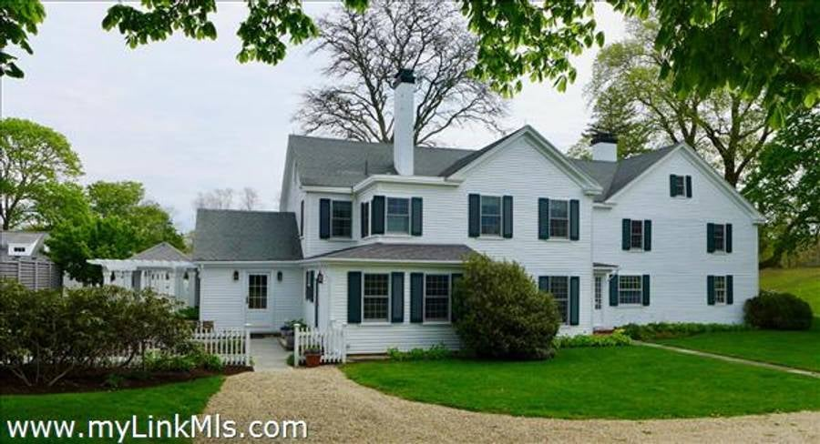 31 Lamberts Cove Road  Vineyard Haven