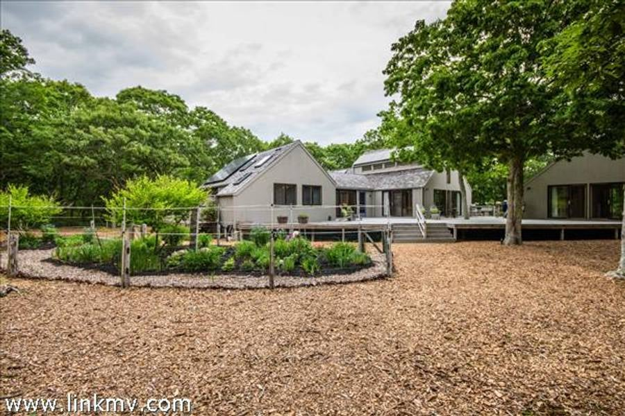 24 South Roger Road  Edgartown