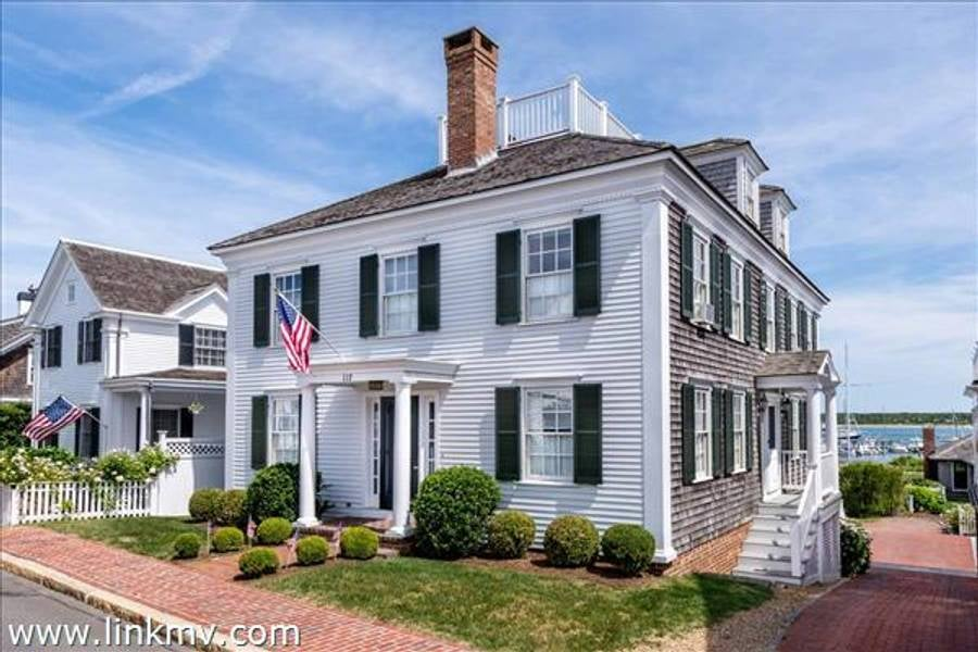 117 North Water Street  Edgartown