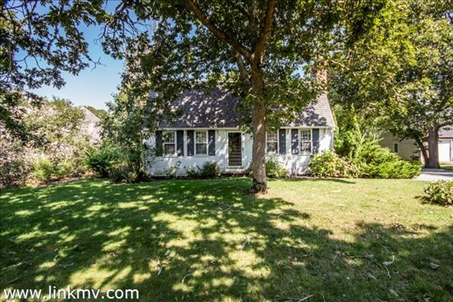 7 Vickers Street  Edgartown