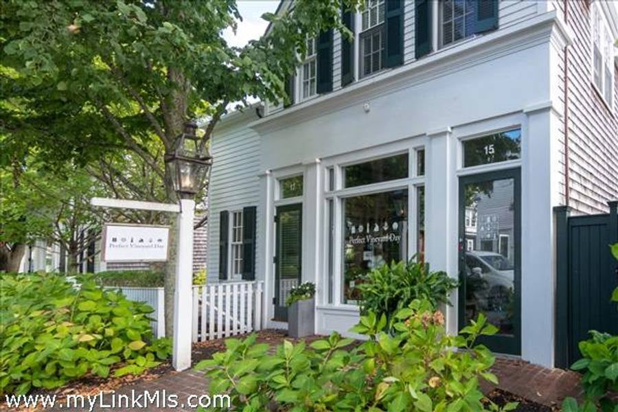 15 North Summer Street  Edgartown