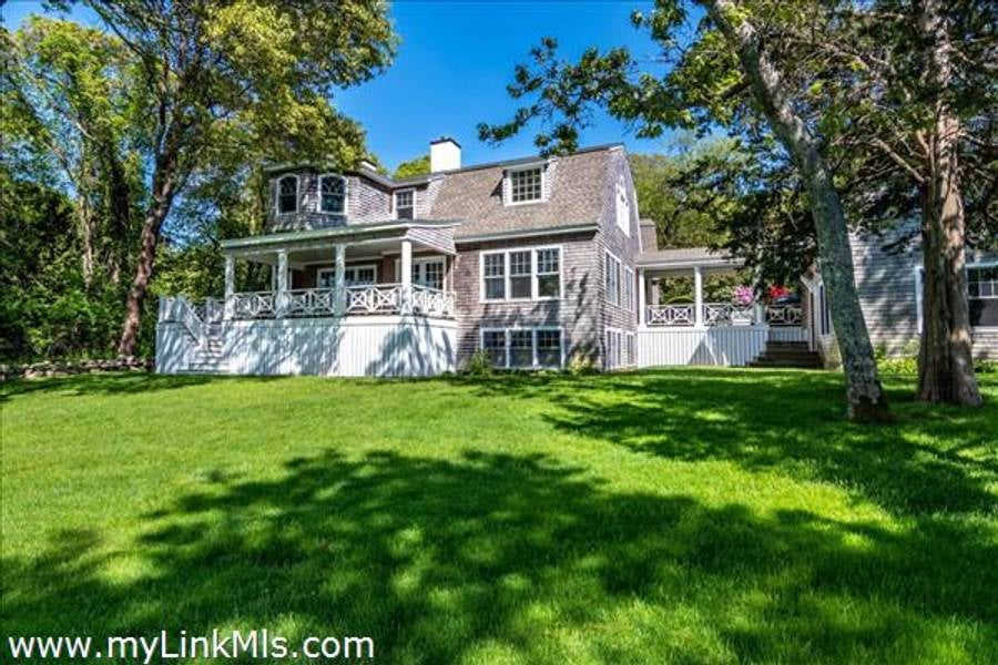 395 Barnes Road  Oak Bluffs