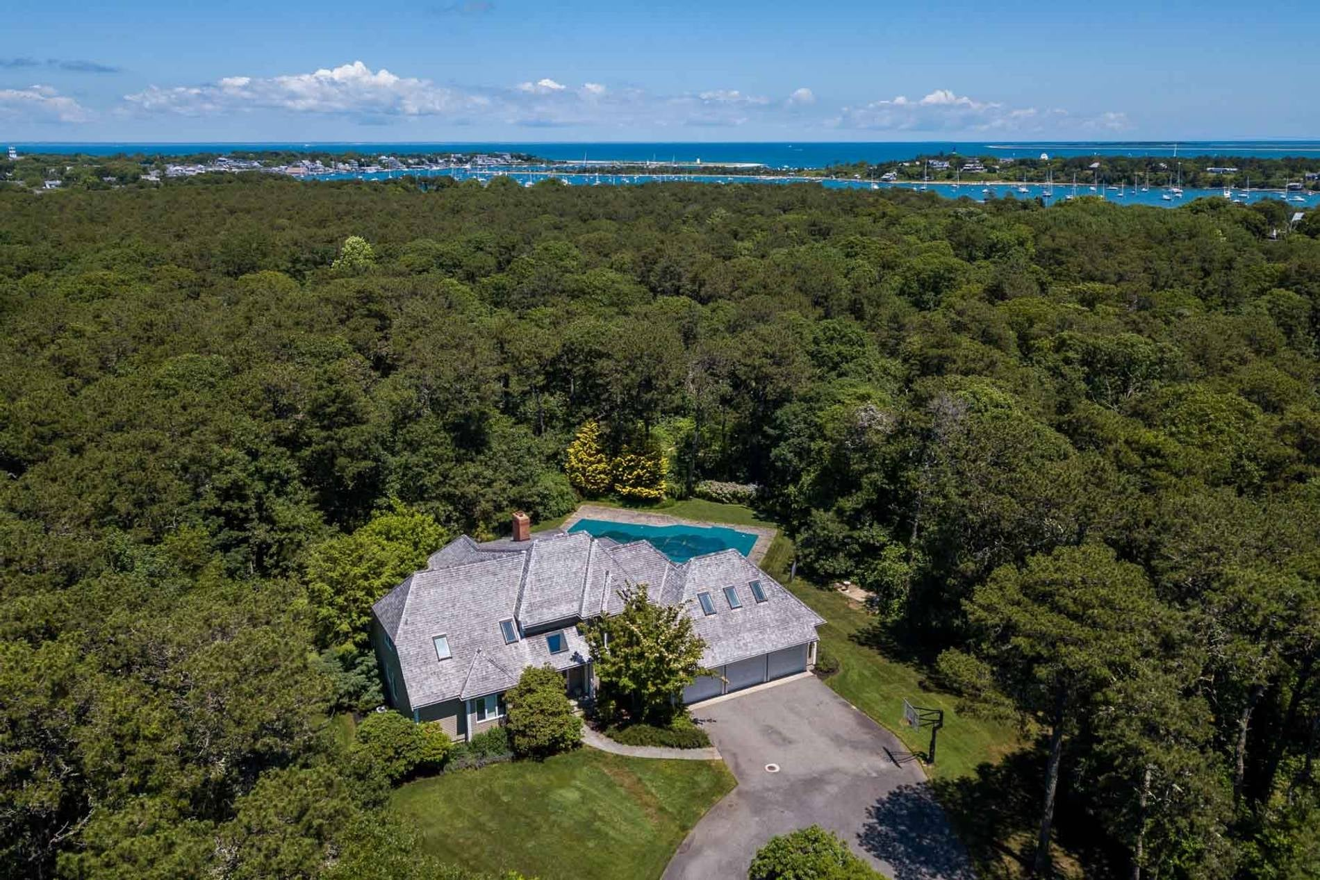 16 Witchwood Lane Edgartown