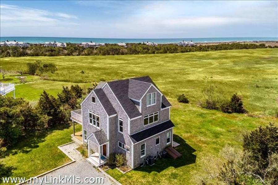 76 Mattakesett Way  Edgartown