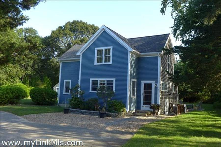 17 Tia Anna Lane  Oak Bluffs