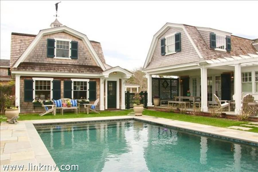 21 Bankers Way  Edgartown