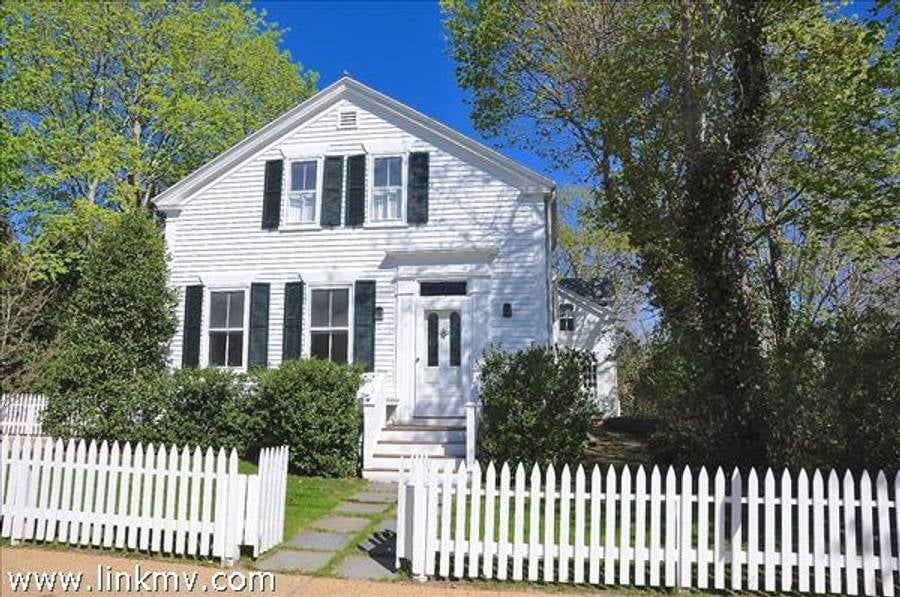 26 William Street  Vineyard Haven