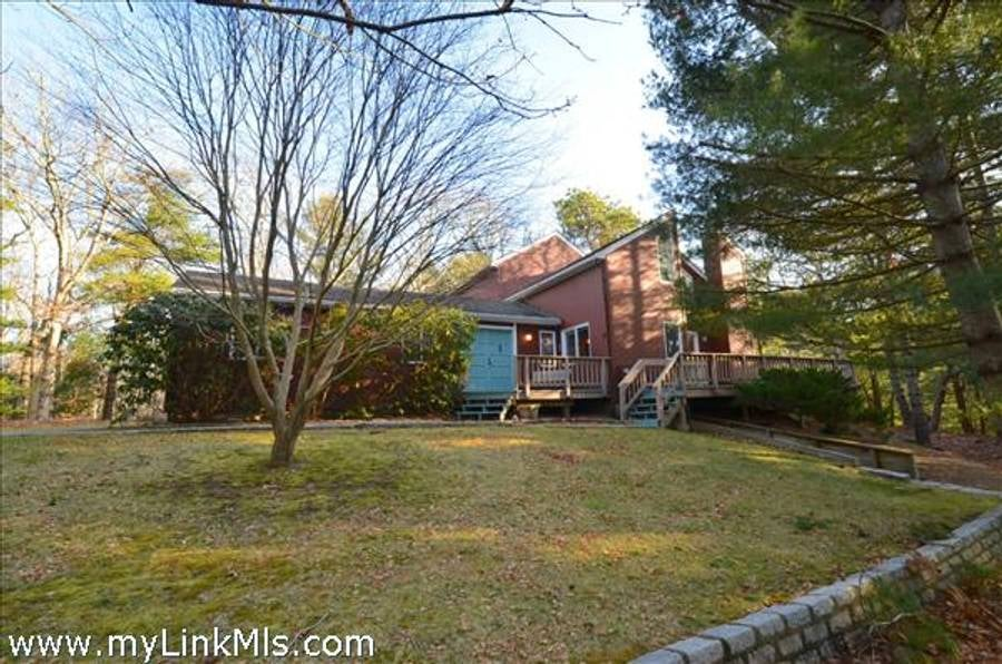 40 Tiffany Drive  Oak Bluffs