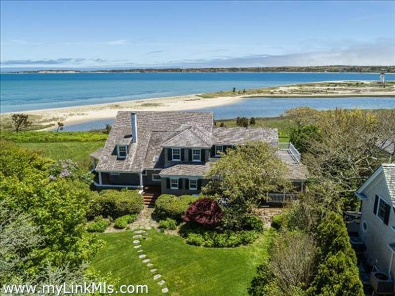 7 Starbuck Neck Road  Edgartown
