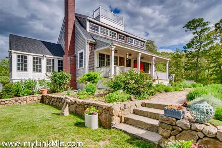 101 Memphremagog Avenue  Vineyard Haven