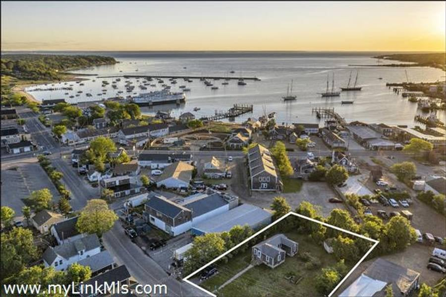 44 Lagoon Pond Road  Vineyard Haven