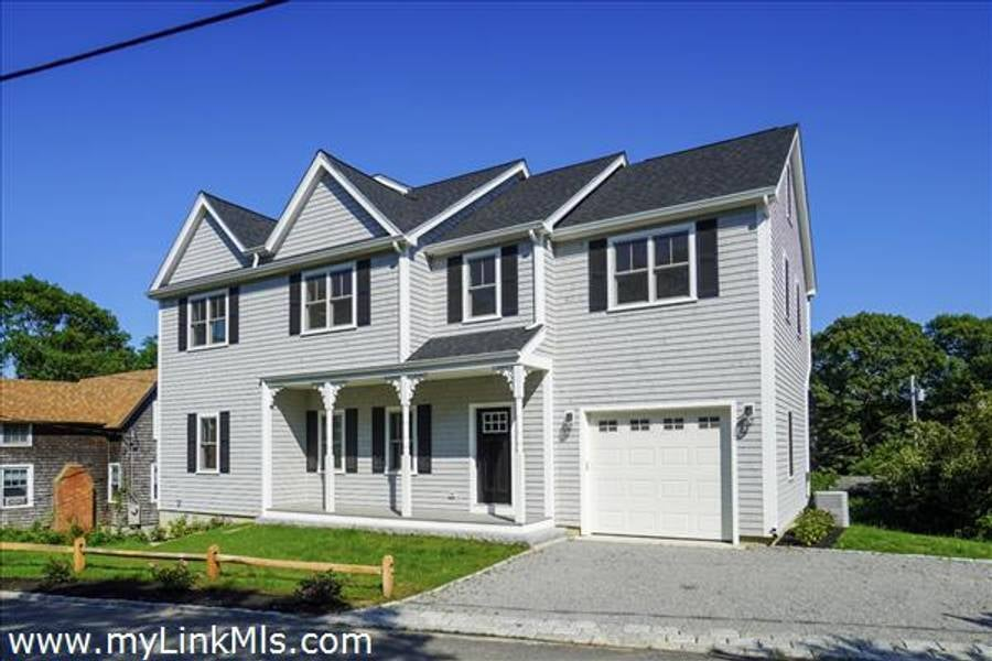 5 John Wesley Avenue   Oak Bluffs