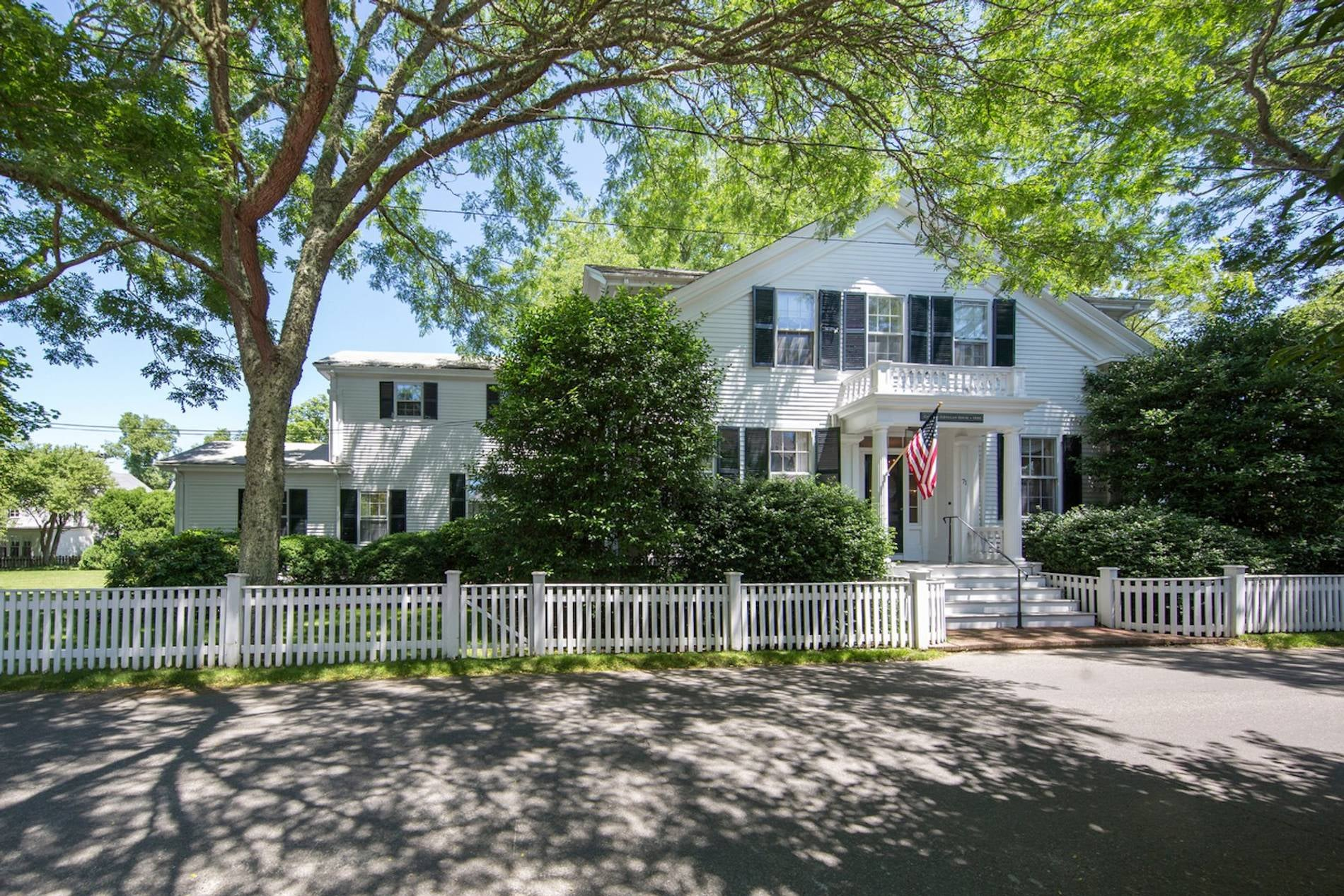 71 Davis Lane Edgartown
