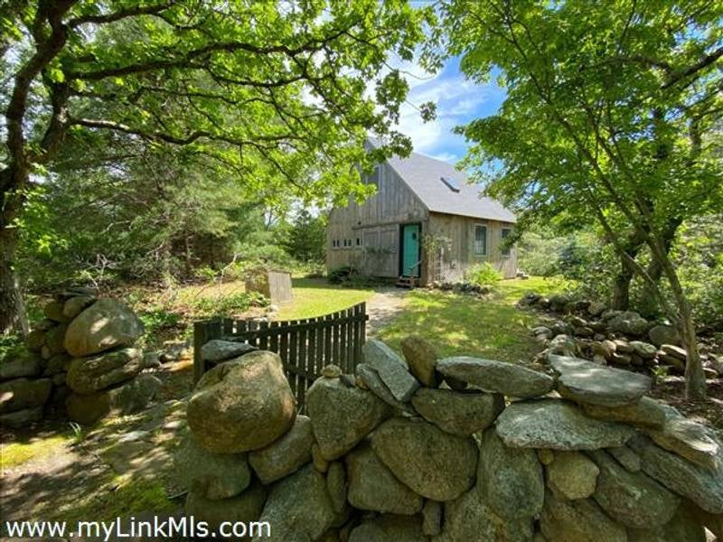 129 Great Plains Road  West Tisbury