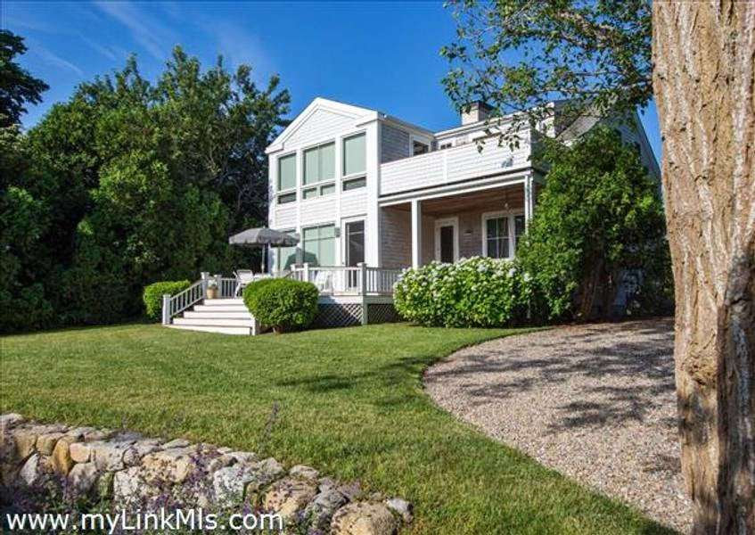 56 Hatch Road  Vineyard Haven