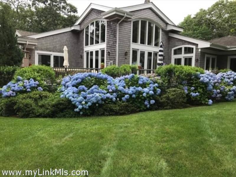 26 Louis Field Road  Edgartown