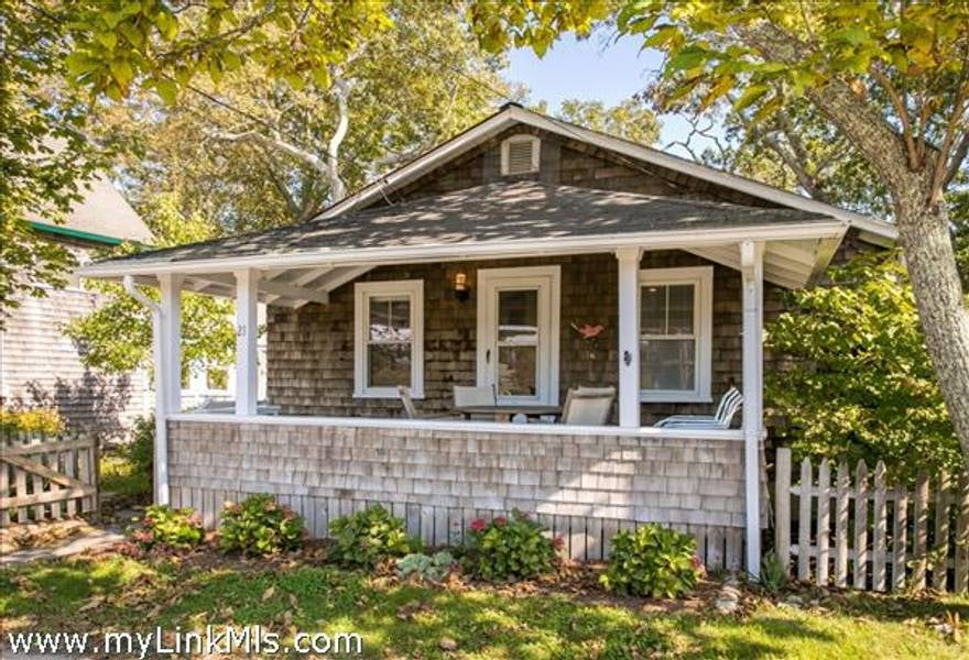 21 Siloam Avenue  Oak Bluffs